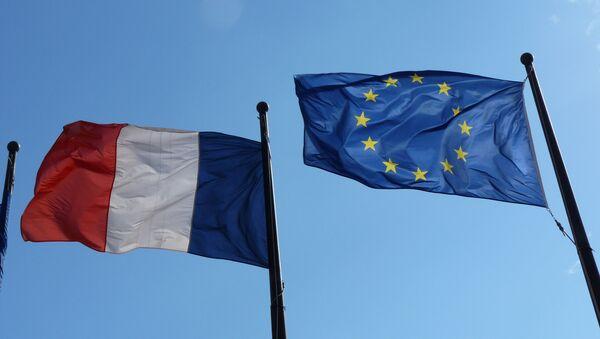 Заставе Француске и Европске уније - Sputnik Србија