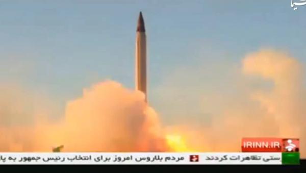 Iranska balistička krstareća raketa Emad visoke preciznosti. - Sputnik Srbija