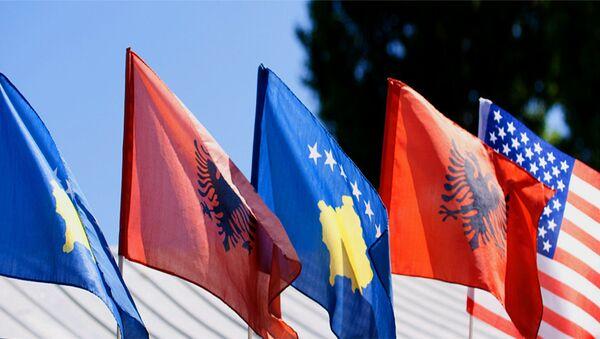 Zastve neprizantog Kosova, Albanije i SAD - Sputnik Srbija