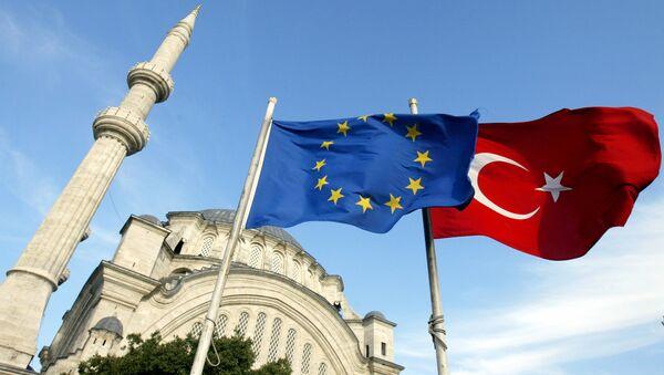 Zastave Turske i Evropske unije - Sputnik Srbija