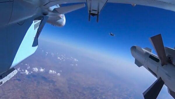 Руски ваздушни напади на положаје ИД у Сирији - Sputnik Србија