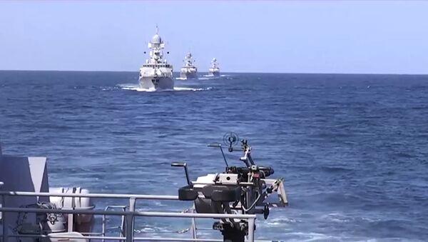 Каспијскa флотa лансирала 26 крстарећих ракета на објекате у терористичке организације ИД у Сирији - Sputnik Србија