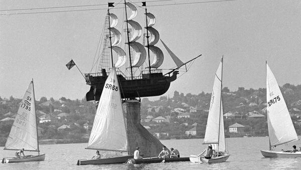 Maketa broda Merkur na kojem je Petar Veliki putovao u Azov - Sputnik Srbija