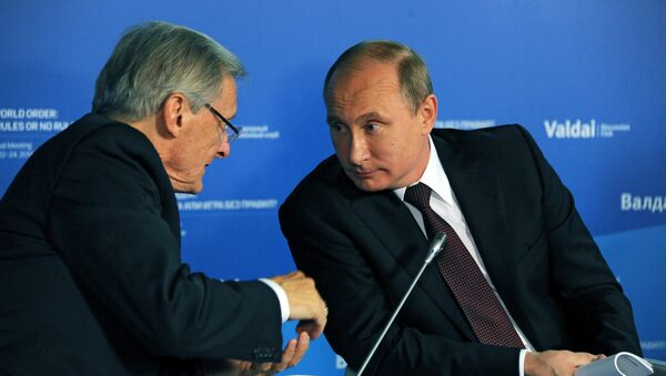 Vladimir Putin i Volfgang Šisel na međunarodnom diskusionom forumu Valdaj - Sputnik Srbija