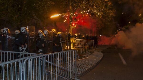 Sukobi policije i građana u Podgorici - Sputnik Srbija