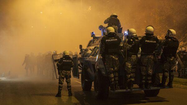 Policija u borbenim kolima u Podgorici - Sputnik Srbija