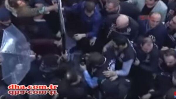 Upad turske policije u prostorije Kanaltura i televizije Bugun u Istanbulu. - Sputnik Srbija