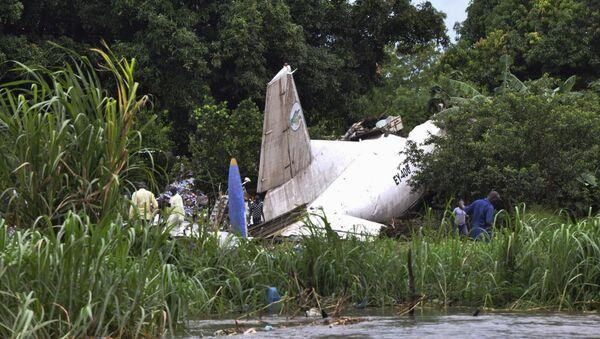 Остаци теретног авиона који се срушио након полијетања у близини Јуба аеродрому у Јужном Судану - Sputnik Србија
