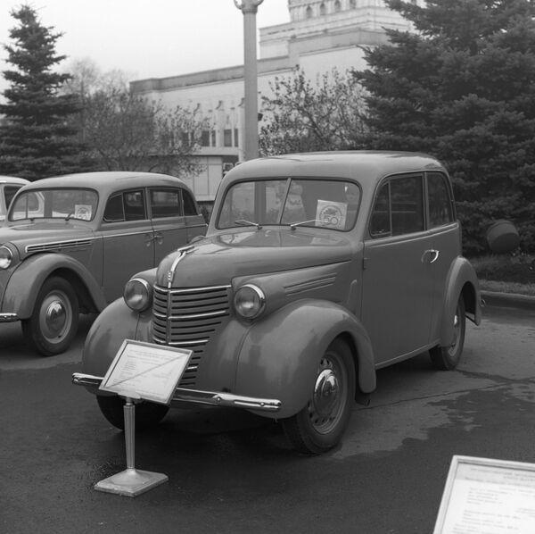 """Аутомобил КИМ-10 на изложби """"Аутопром — 50 година"""" - Sputnik Србија"""