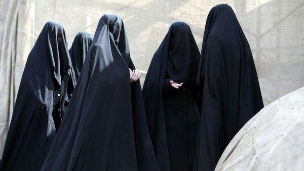 Turske žene obučene u burke - Sputnik Srbija