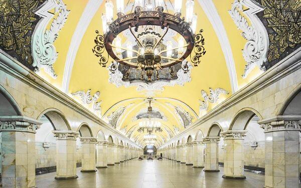 Московка метро станица Комсомолскаја. - Sputnik Србија