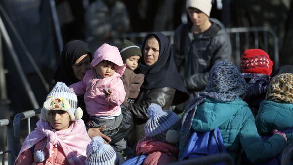Избеглички центар у Прешеву - Sputnik Србија