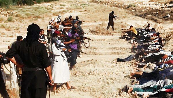 Masovno pogubljenje od strane boraca ID u Iraku - Sputnik Srbija