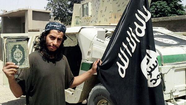 Osmnjičeni za organizaciju terorističkog napada u Parizu Abdelhamid Abaud - Sputnik Srbija