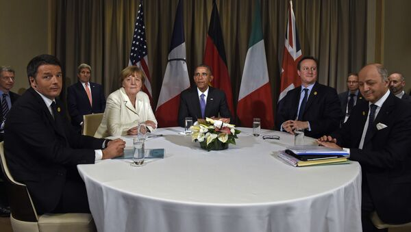 Američki predsednik Barak Obama, italijanski premijer Mateo Renci, nemačka kancelarka Angela Merkel, britanski premijer Dejvid Kameron i francuski ministar spoljnih poslova Loran Fabius na samitu G-20  u Antaliji, u Turskoj, u ponedeljak, 16. novembra, 2015 - Sputnik Srbija