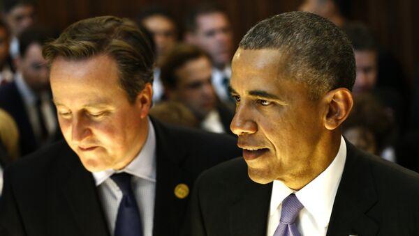 Američki predsednik Barak Obama i britanski premijer Dejvid Kameron na samitu G-20 u Antaliji, u Turskoj, 16. novembra, 2015. - Sputnik Srbija