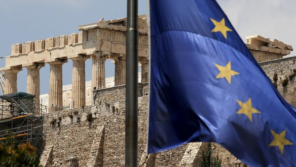 Застава Европске уније се вијори испред храма Партенона на Акропољу у Атини, Грчка - Sputnik Србија