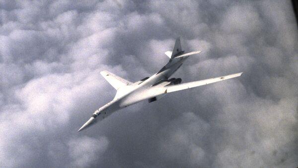 Ruski strateški bombarder Tu-160 - Sputnik Srbija