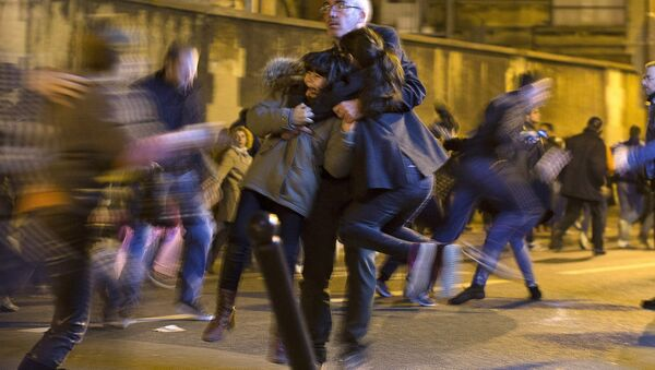 Panika nastala posle dojave o bombi, u Parizu, posle terorističkog napada 14.11.2015.godine - Sputnik Srbija