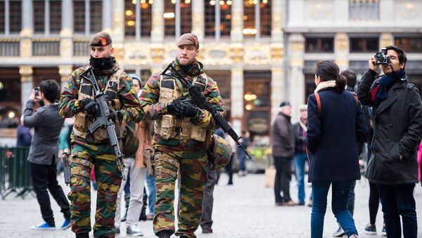 Белгијски војници патролирају у центру Брисела - Sputnik Србија