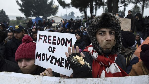 Протест избеглица на Мекедонско-Грчкој граници - Sputnik Србија