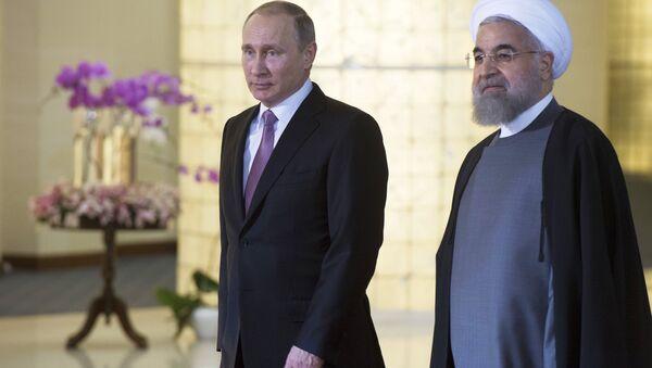 Riski predsednik Vlaldimir Putin i iranski predsednik Hasan Rohani - Sputnik Srbija