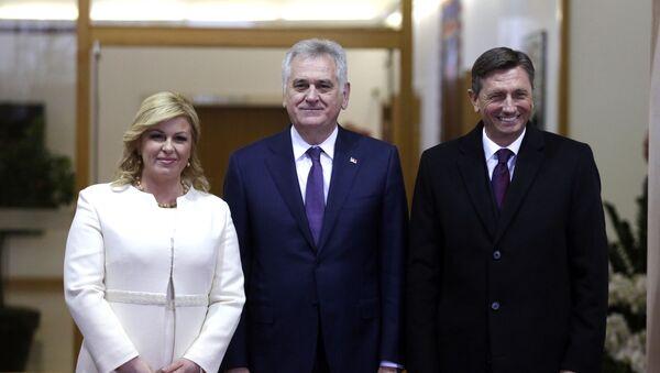 Hrvatska predsednica Kolinda Grabar Kitarović, predsednik Srbije Tomislav Nikolić i slovenački predsednik Borut Pahor na samitu Brdo-Brioni. - Sputnik Srbija