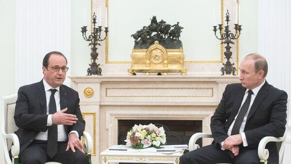 Vladimir Putin i Fransoa Oland - Sputnik Srbija