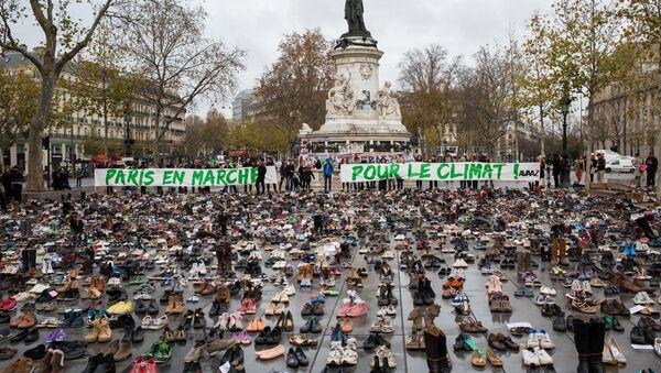 Eколошкe акцијe протеста у Паризу - Sputnik Србија