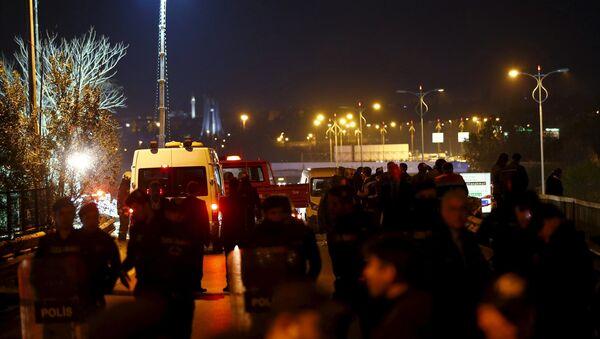 Полиција је осигурала простор око уласка у метро после експлозије у Истанбулу, Турска, 1. децембра, 2015 - Sputnik Србија