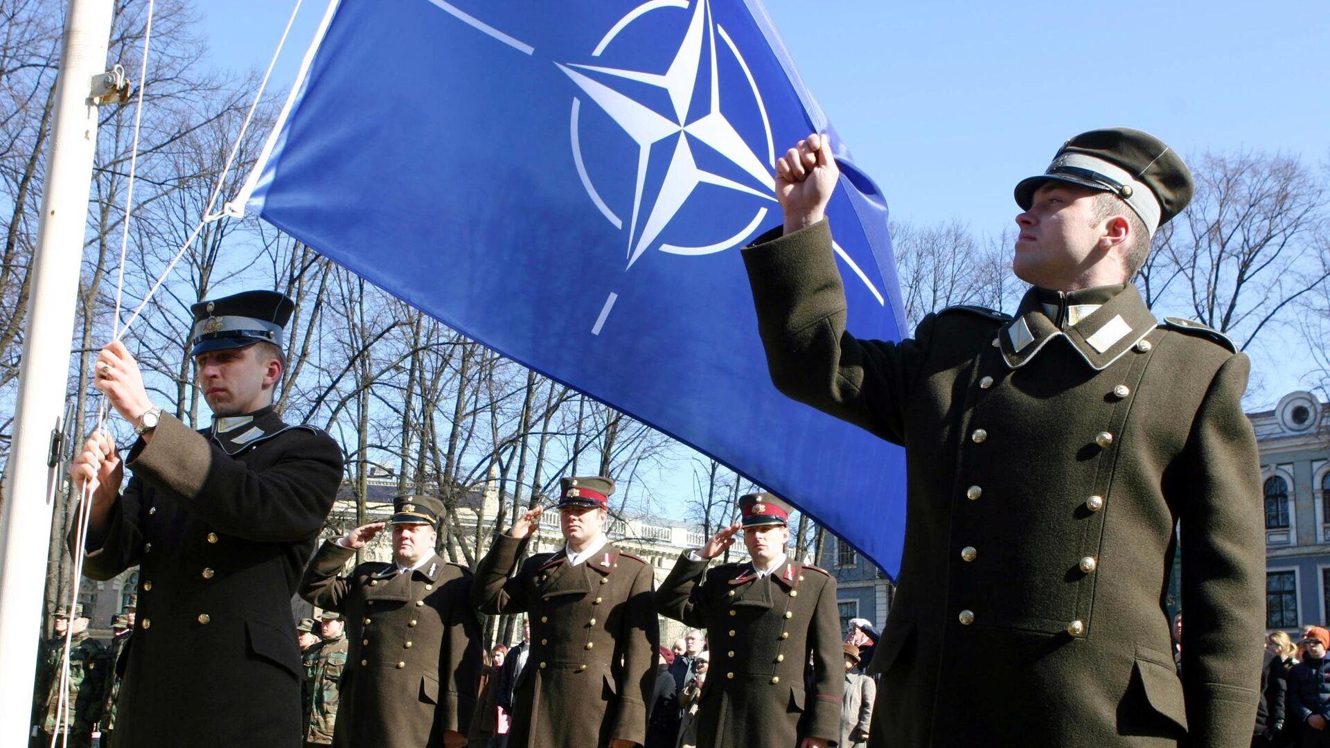 Letonski vojnici sa NATO zastavom - Sputnik Srbija, 1920, 08.08.2021