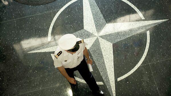НАТО лого - Sputnik Србија