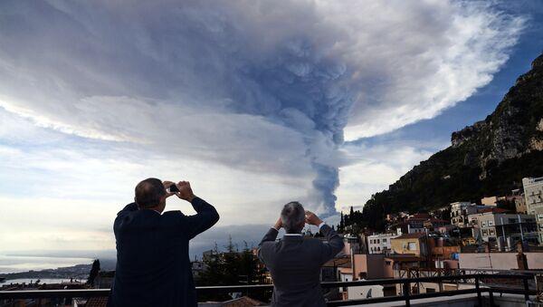 Etna vulkan, Italija - Sputnik Srbija