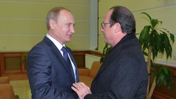 Председник Руске Федерације Владимир Путин и председник Француске Франсоа Оланд - Sputnik Србија