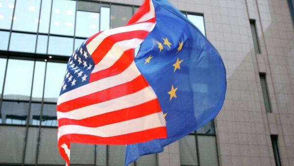 Застава САД и ЕУ - Sputnik Србија