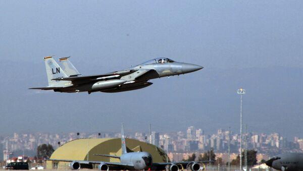 Američki borbeni avion F-15 poleće iz vojne baze u Turskoj - Sputnik Srbija