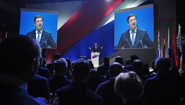 Premijer Srbije Aleksandar Vučić na mitingu SNS-a u Novom Sadu. - Sputnik Srbija