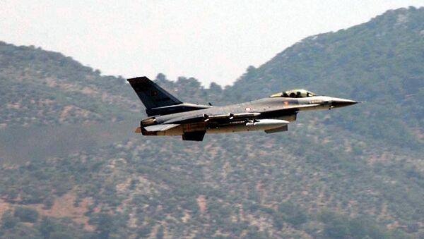 Турски борбени авион Ф-16 - Sputnik Србија