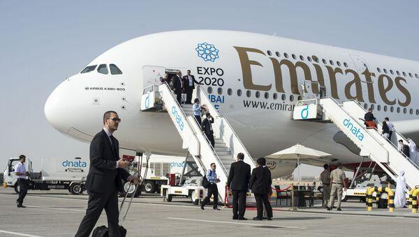Ербас А380-800 у Дубаију компаније Емирати - Sputnik Србија