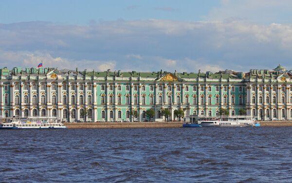 Зграда музеја Ермитаж, једног од најстаријих и најчувенијих музеја у Русији - Sputnik Србија