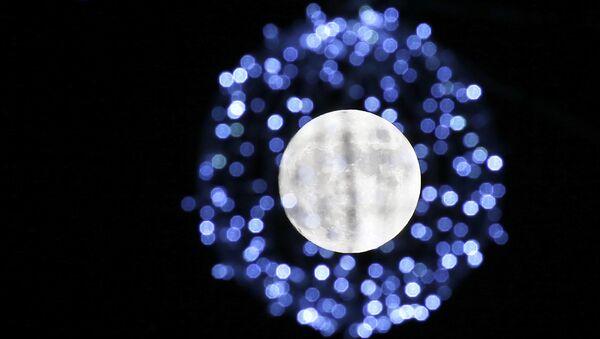 Mesec božićni - Sputnik Srbija