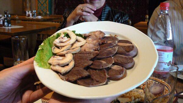 Konjsko meso na tanjiru - Sputnik Srbija