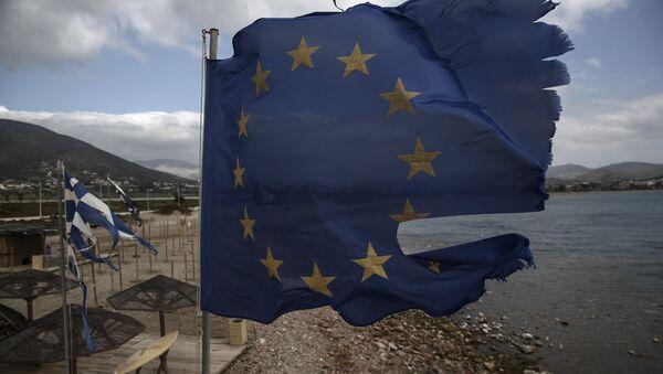 Поцепана застава ЕУ - Sputnik Србија