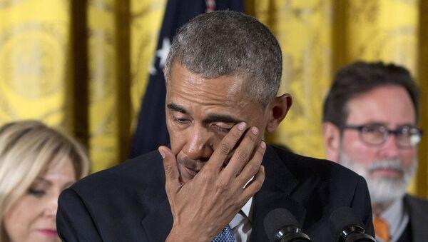 Predsednik SAD Barak Obama plakao na konferenciji za novinare - Sputnik Srbija