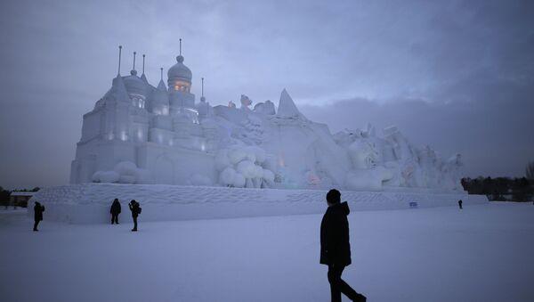 Највећи замак од снега, направљен у Кини - Sputnik Србија