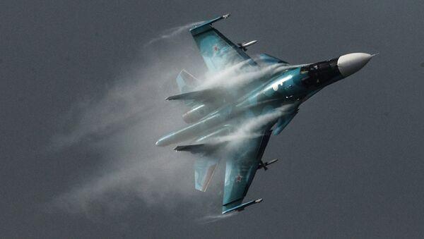 Su-34 namenjen je za napade, avionskim naoružanjem, kopnenih ciljeva u svim vremenskim uslovima, danju i noću. - Sputnik Srbija