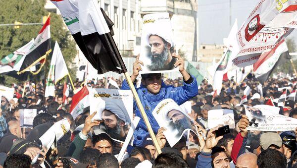 Pristalice šiitskog pokreta u Iraku protestuju u Bagdadu zbog ubistva sveštenika Nimra el Nimra - Sputnik Srbija