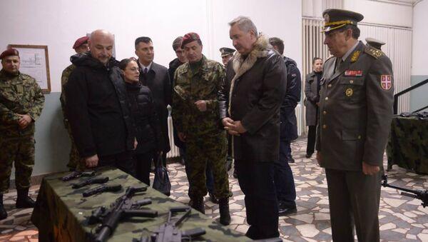 Потпредседник Владе Русије Дмитриј Рогозин посетио Специјалну бригаду Војске Србије. - Sputnik Србија