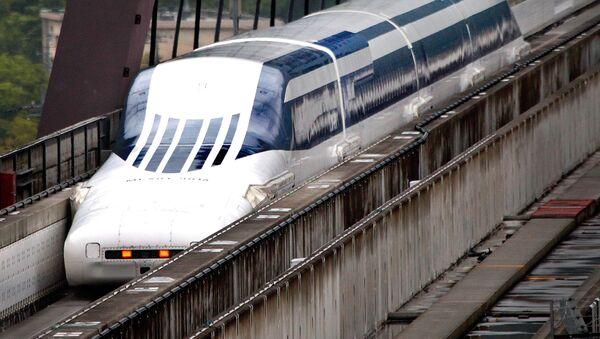 Јапански супербрзи воз који се ослања на магнете. - Sputnik Србија