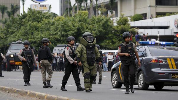 Индонежаска полиција после терористичког напада у Џакарти - Sputnik Србија